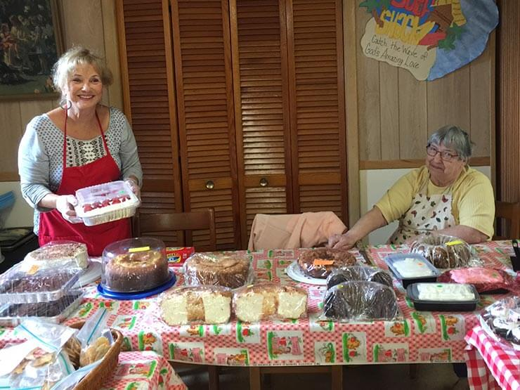 strawberry-festival-interior-with-baked-products